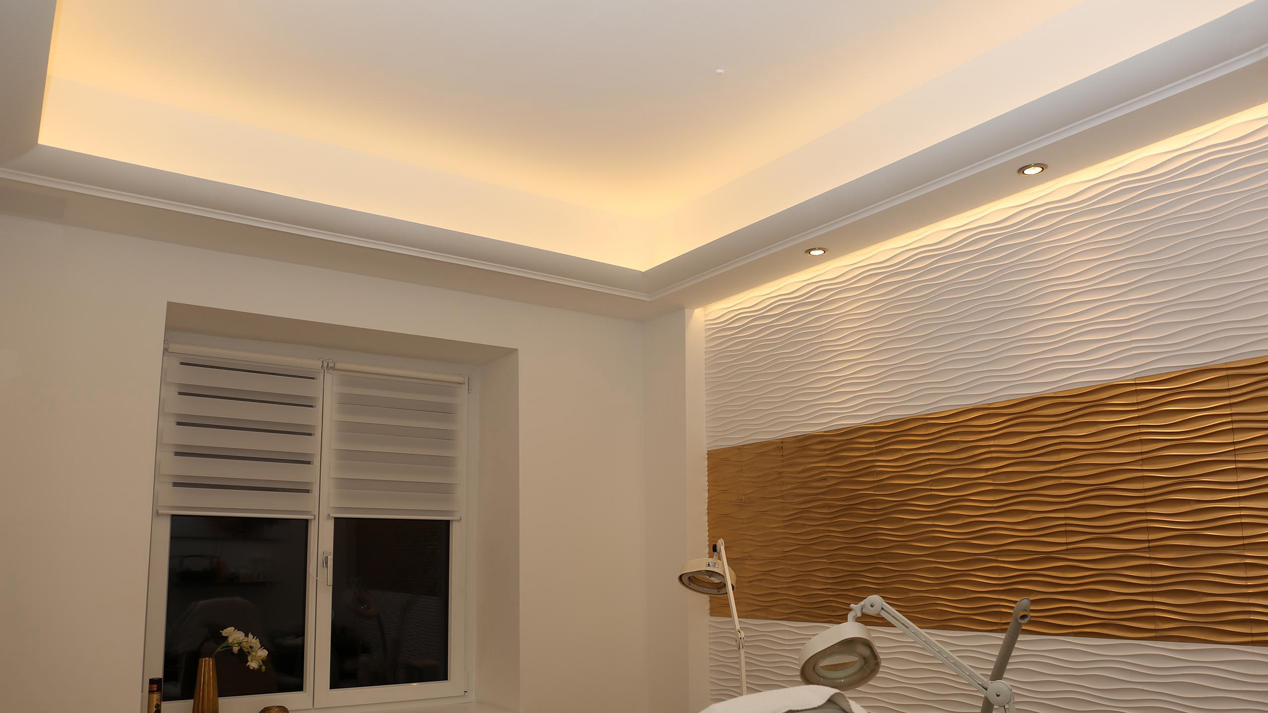 Wand und Deckenbeleuchtung
