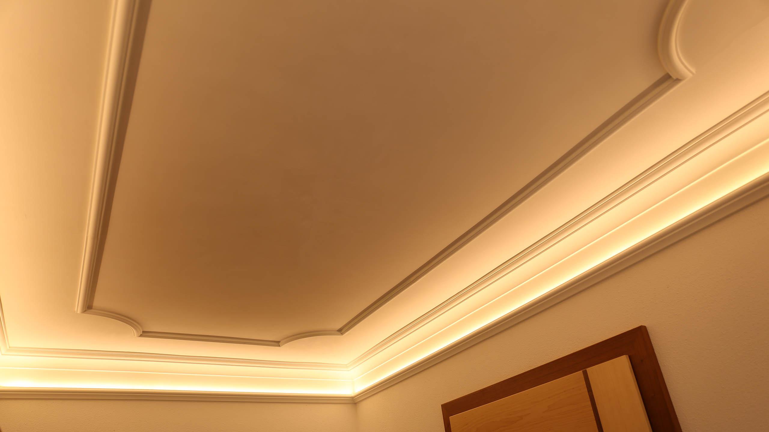 individuelle l sungen bendu stuckleisten lichtvouten und lichtprofile f r indirekte led. Black Bedroom Furniture Sets. Home Design Ideas
